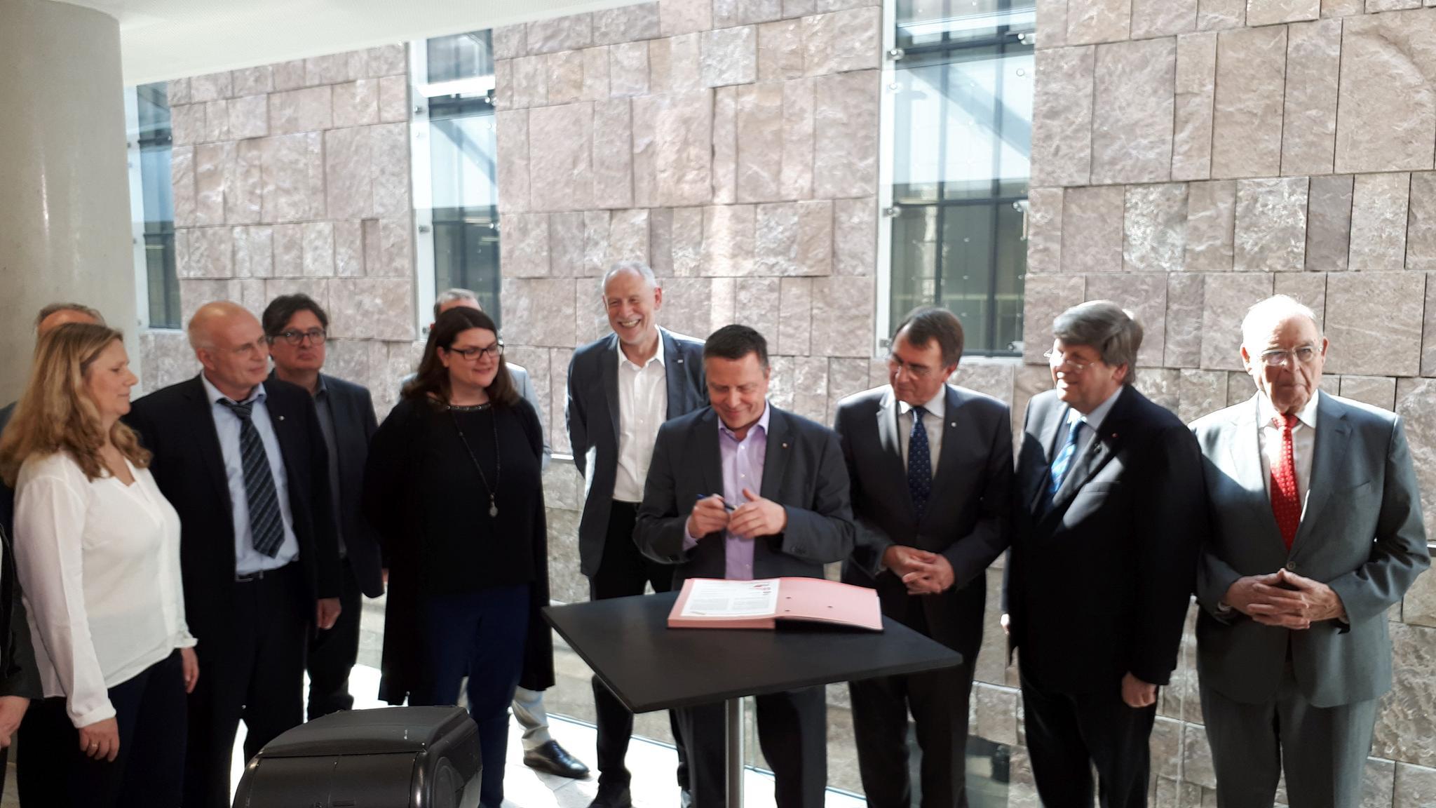 Unterzeichnung Bündnis gegen Altersarmut in Baden-Württemberg